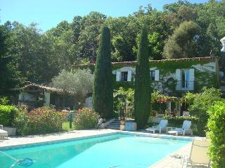 Le Mas Blanc chambres d'hôtes - Les Adrets-de-l'Esterel vacation rentals