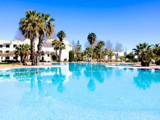Latin Red Apartment, Cabanas Tavira, Algarve - Cabanas de Tavira vacation rentals
