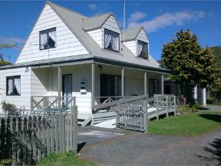 The Dolls House - Rotorua vacation rentals