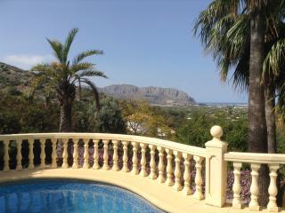 Mediterranean, Orange trees, mountains - holiday! - Pedreguer vacation rentals
