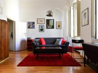 Trendy & cool in Trastevere heart, Wi-Fi, A/C. Great location! Fully equipped - Rome vacation rentals