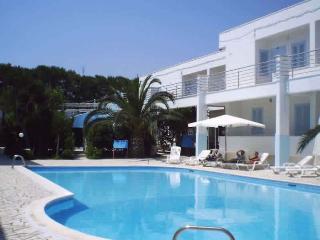 residence con piscina MIlo's - Marina Di Ostuni vacation rentals