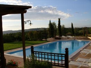 Nice Condo with Internet Access and Central Heating - Monteleone d'Orvieto vacation rentals