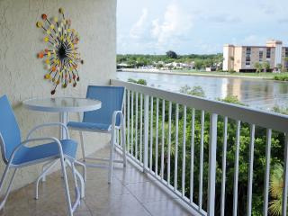 2 bedroom Apartment with Internet Access in Indian Shores - Indian Shores vacation rentals