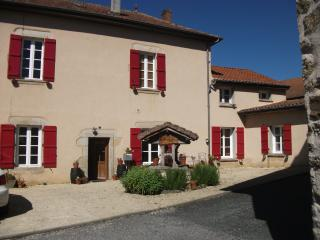 4 bedroom Villa with Internet Access in Champagnac-la-Riviere - Champagnac-la-Riviere vacation rentals