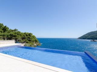 #Pool#breakfast#privatebeach#loungearea - Saplunara vacation rentals