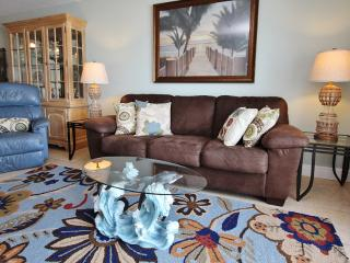 Nice Condo with Internet Access and Dishwasher - Madeira Beach vacation rentals