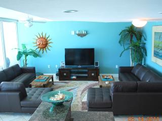 Holy Guacamole - Wall of Glass, Modern & Cozy! - Gulf Shores vacation rentals