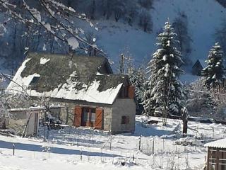 LA GRANGE DU MOULIN Grand Gîte de 160 m², Classé MEUBLE DE TOURISME en 3 étoiles - Aulus-les-Bains vacation rentals