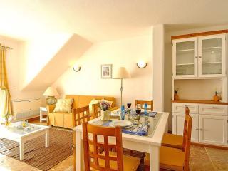 Giddah White Apartment, Albufeira, Algarve - Olhos de Agua vacation rentals
