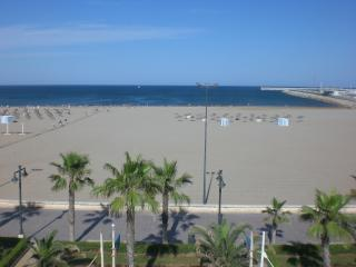 Malvarrosa III, amazing views from a great terrace - Valencia vacation rentals