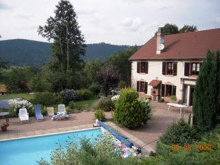 CoeurdesVosges ferme piscine privée chauffée7000m2 - Senones vacation rentals