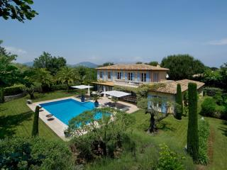 Nice Villa with Internet Access and Washing Machine - Saint Tropez vacation rentals