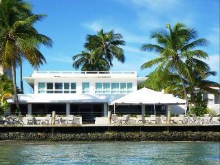 San Juan Beachside Hotel - No Car Needed! - San Juan vacation rentals