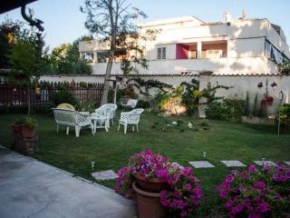 Deliziosa Villa vicino al mare e a Roma - Campo Ascolano vacation rentals