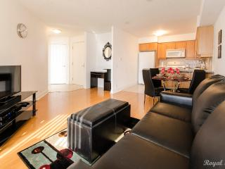 421-1 Br + Den Harrison Garden North York - North York vacation rentals
