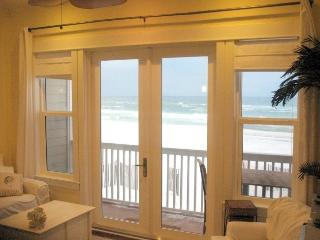 Excellent Gulf Front! Kids love the beach! (Sl 4) - Seaside vacation rentals