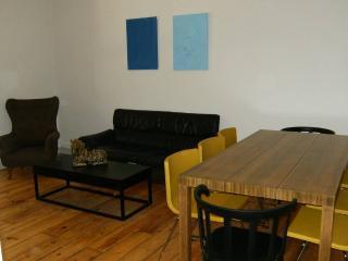 Dill Silver Apartment, Marquês de Pombal, Lisbon - Lisbon vacation rentals