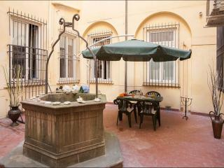 Servi _ Duomo Area _ 4 people - Florence vacation rentals