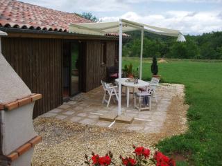 Cozy 2 bedroom Sainte-Alvere Gite with Internet Access - Sainte-Alvere vacation rentals