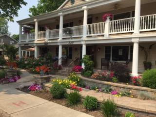 Ole Bistro Inn - Vacation Rental - Lake Geneva WI - Lake Geneva vacation rentals