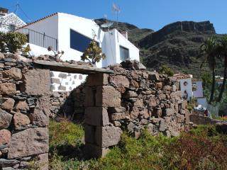 Beautiful Villa with Internet Access and Satellite Or Cable TV - Aguimes vacation rentals