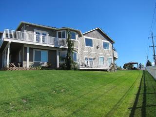 Georgous View Home w/ Heated Pool near Leavenworth - Wenatchee vacation rentals