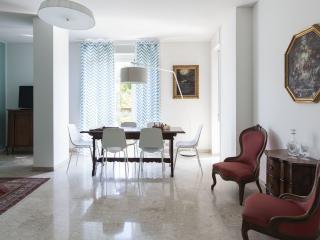 Comfortable Condo with Washing Machine and Television - Milan vacation rentals