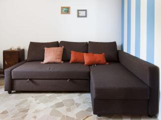 Romantic 1 bedroom Condo in Milan with Washing Machine - Milan vacation rentals