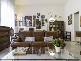 Amendola Vintage Apartment - Milan vacation rentals