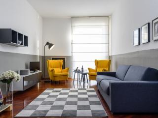 Santa Sofia Milano Apartment - Milan vacation rentals
