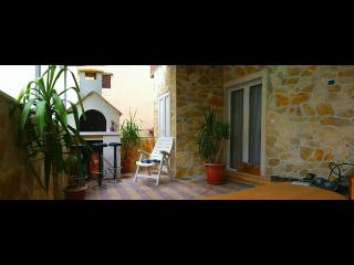 3 bedroom Apartment with A/C in Makarska - Makarska vacation rentals