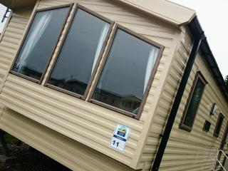 Deluxe 2 Bedroom Static Caravan - Flookburgh vacation rentals