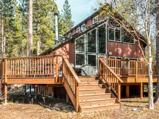 Modern 3BR Lodge-Style Home in South Lake Tahoe - Perfect Location Surrounded by National Forest - South Lake Tahoe vacation rentals