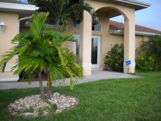 Beautifully decorated 4 bedroom pool home - Cape Coral vacation rentals