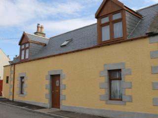 Fàilte  - luxury self catering stone cottage - Portknockie vacation rentals