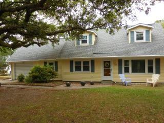 Family Friendly Summer Home at the Crystal Coast - Pine Knoll Shores vacation rentals
