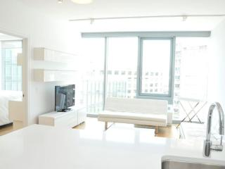 Luxury Three Bedroom Residence in Midtown - Manhattan vacation rentals