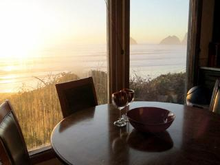Gorgeous House with Deck and Water Views - Tillamook vacation rentals