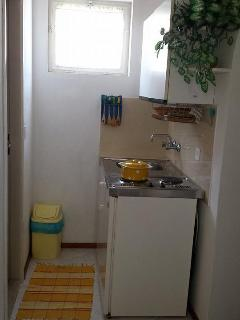 Beautiful Condo with Internet Access and A/C - Jelsa vacation rentals