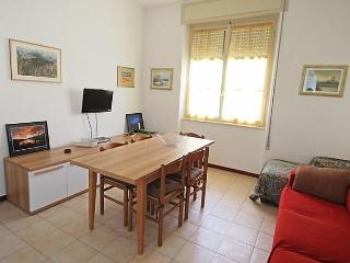 Bright 3 bedroom Condo in Lozio with Short Breaks Allowed - Lozio vacation rentals