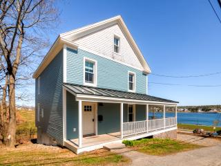 3BR/1.5 BA Historic Waterfront Home in Belfast - Charming Town & Scenery! Free Wi-Fi! - Belfast vacation rentals
