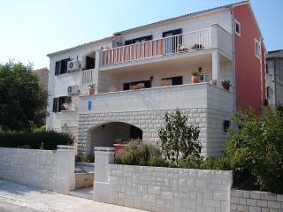 Cozy 2 bedroom Condo in Supetar with Internet Access - Supetar vacation rentals