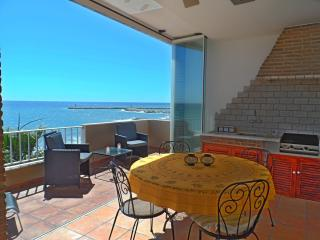 Stunning 3 bedroom Apartment on Beach - Quarteira vacation rentals
