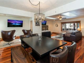 Moonlight Chalet – Contemporary Tahoe Cabin, Single Story, Walk To Lake, Grill, Wifi, Spa - South Lake Tahoe vacation rentals