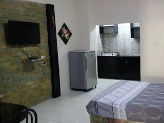 Cozy 1 bedroom Condo in Mabalacat with Internet Access - Mabalacat vacation rentals