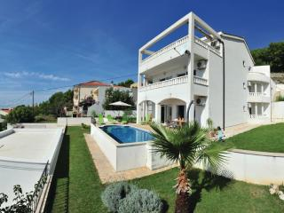 Idyllic villa near Split with pool & free parking - Solin vacation rentals