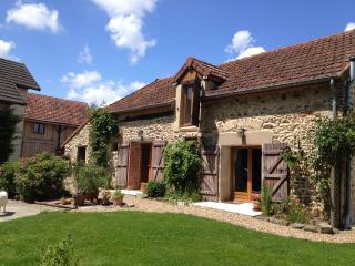 Les Charbonneaux    |    Le Charolais - Luzy vacation rentals
