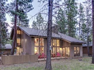 Gorgeous, newly remodeled home with shared hot tub, pool, & resort amenities! - Black Butte Ranch vacation rentals
