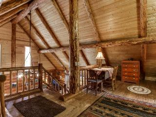 Rustic cabin w/ shared pool, tennis & adventure nearby! - Sisters vacation rentals
